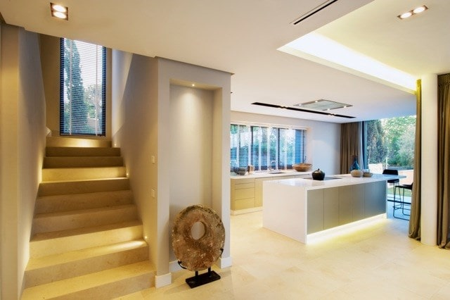 Frameless luminaires for better integration with architecture